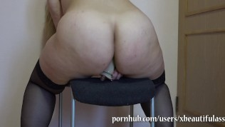 bbw fucks her ass, shakes her big ass!